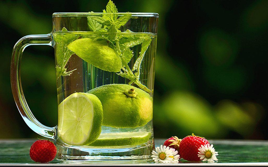 Barnít, hűsít, hidratál… Mit együnk ha itt a nyár?