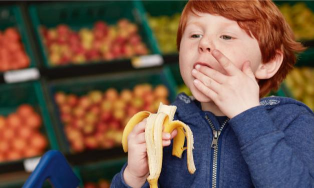 Ingyen gyümölcs jár a gyerekeknek a Tescoban. Nálunk miért nincs ilyen?