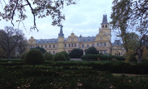 A viharsarki mesebeli kastély – Szabadkígyós