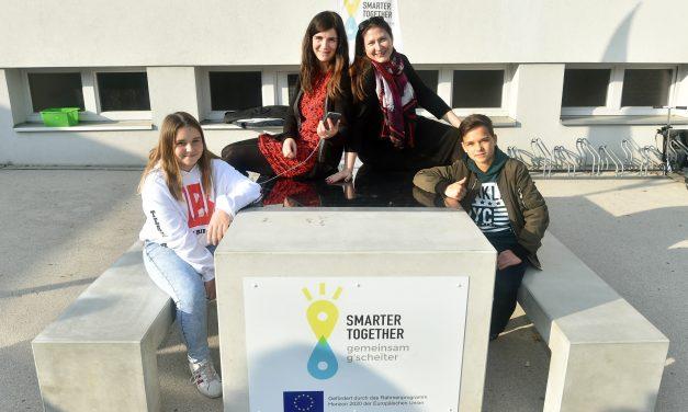 Hát ez nagyon menő: átadták Bécs első napelemes padját
