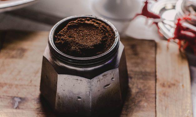 Homokos a kerted? Igyál rá egy kávét!
