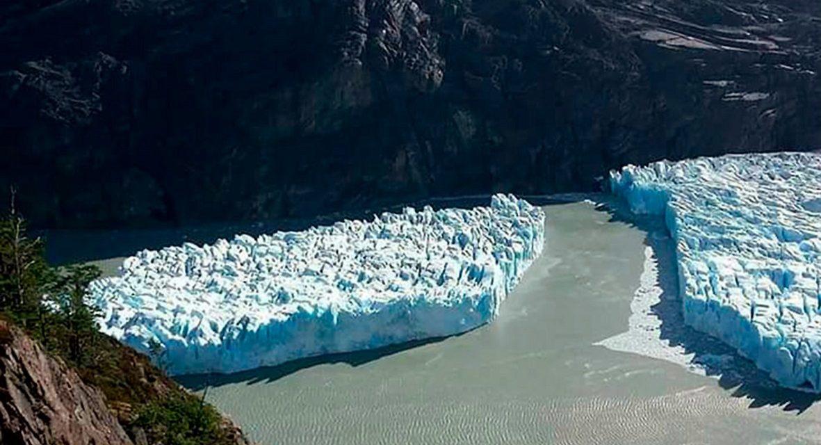 Óriási jéghegy vált le egy chilei gleccserről