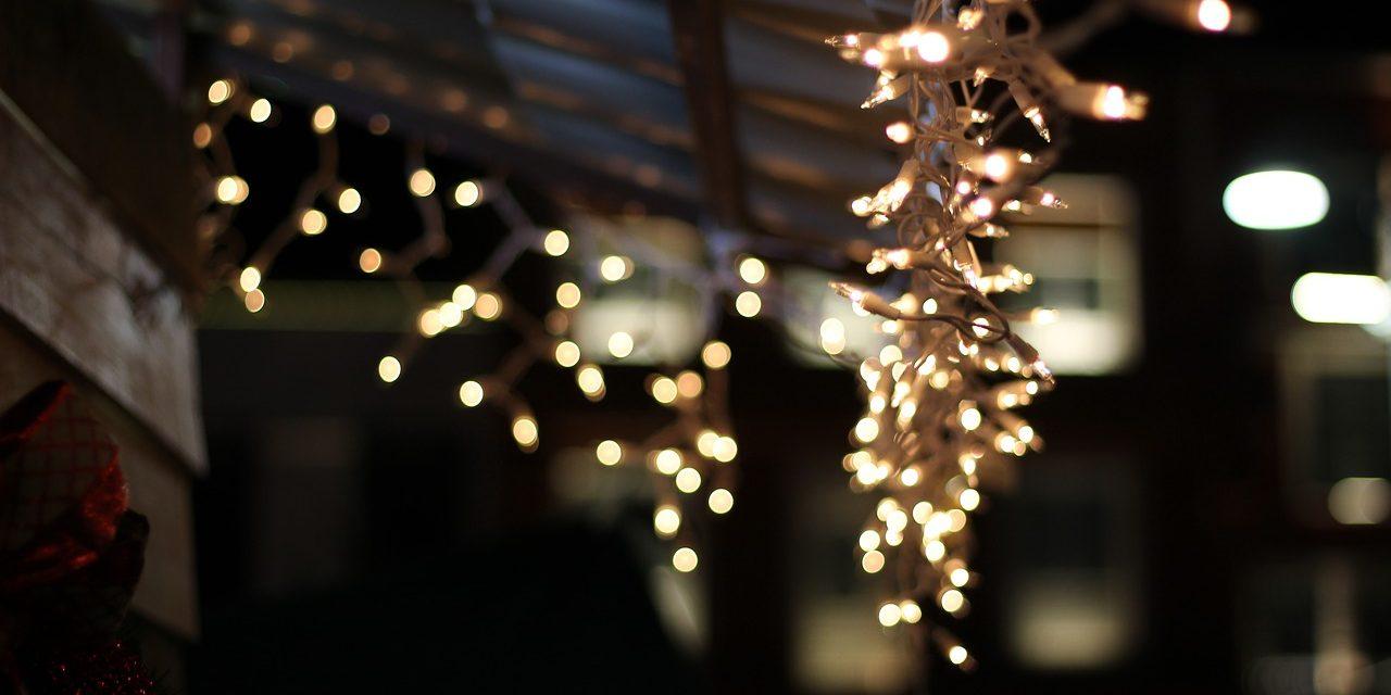 Ne csak a lakást díszítsük! Az 5 legjobb karácsonyi dekoráció az erkélyre
