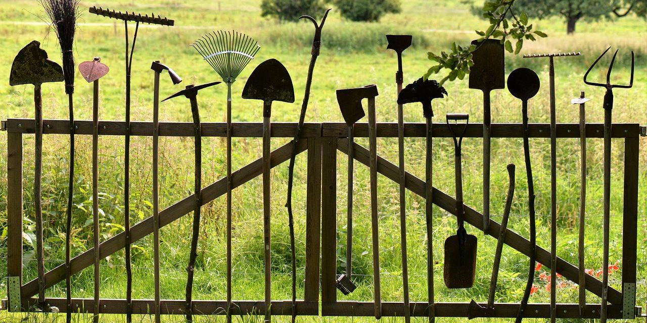 A kerti szerszámok biztos tárolási módja!