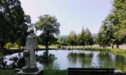 A bakonybéli Szentkút és a monostori angol kert – mozdulj ki!
