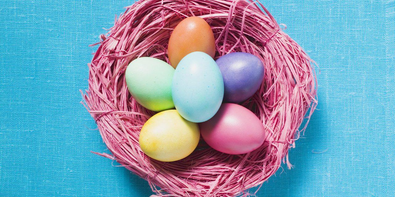 10 tipp, hogyan fess tojásokat természetes anyagokkal