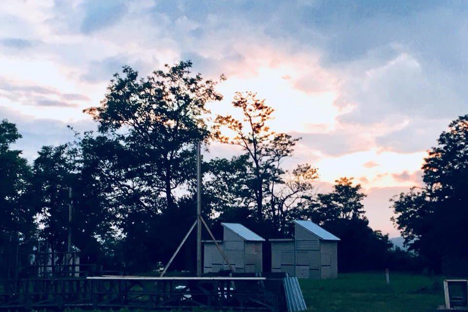 Környezetbarát fakunyhókat épít a Hello Wood