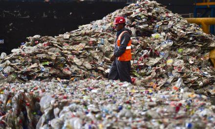 Talajba ásnák a műanyagszemetet az unióban