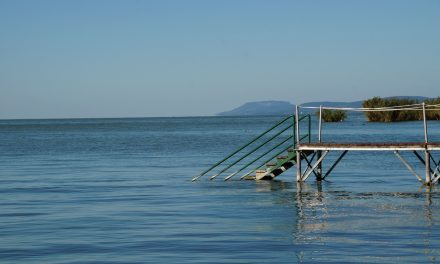 1921 óta nem volt ilyen sok víz a Balatonban