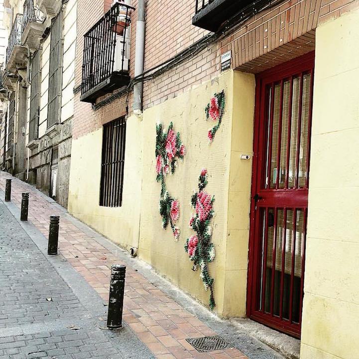 10632175ec Hímzett virágok virulnak Madrid utcáin   Gardenista