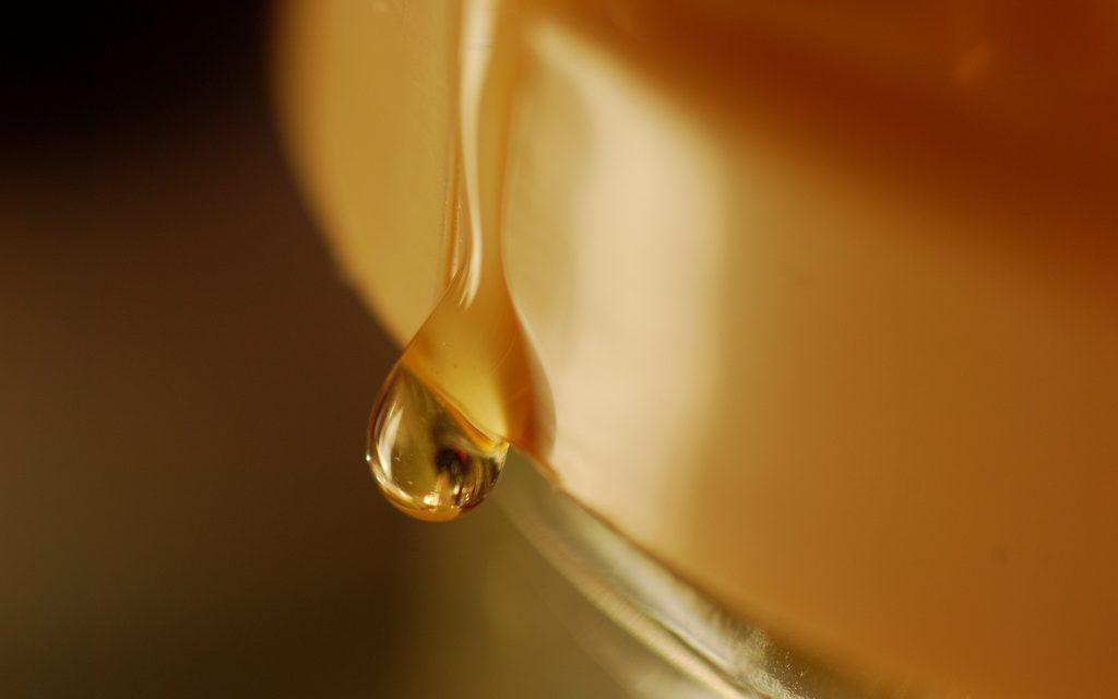 Így különböztethetjük meg a nyers mézet a hamistól