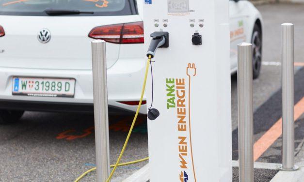 Ingyen tankolhatnak az elektromos autók tulajdonosai Bécsben