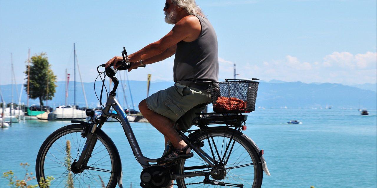 Elektromos kerékpárokat töltő hálózat létesült a Balatonnál