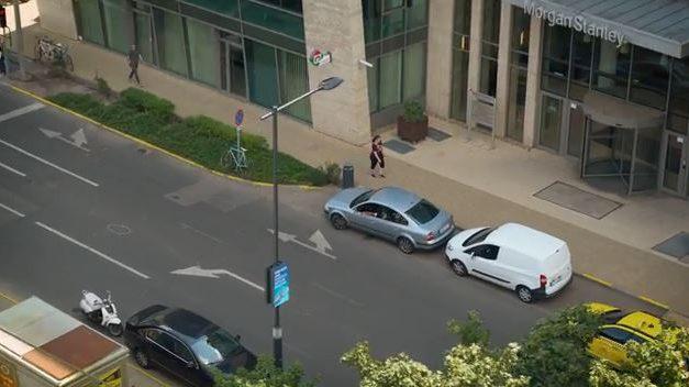 Okoslámpaoszlopokat mutattak be Budapesten