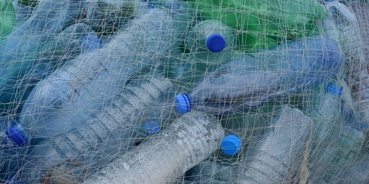 Franciaországban olcsóbbak lesznek az újrahasznosított PET-palackok