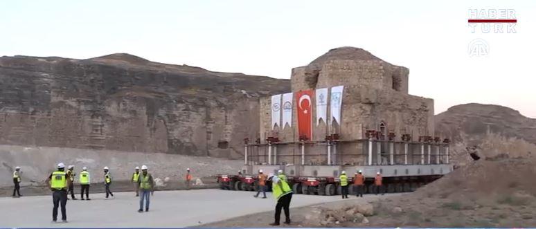 Egészben helyeztek át egy 650 éves fürdőt Törökországban egy óriásgát építése miatt