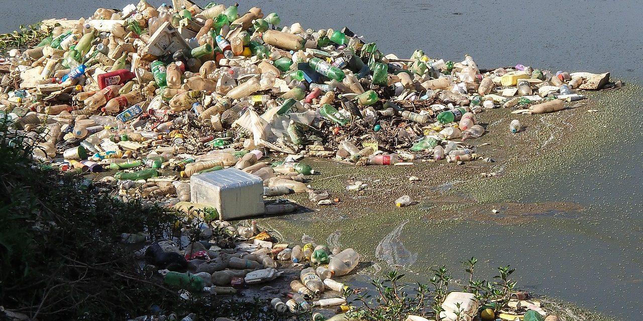 10 tonna műanyag hulladék gyűlt össze a Tiszából