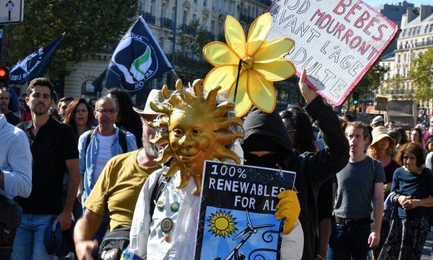 Több ezren vonultak utcára Franciaországban a klímaváltozás ellen