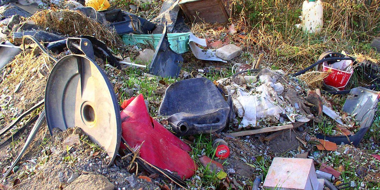 Felszámolja a MÁV a vasúti területeken lévő illegális hulladéklerakókat