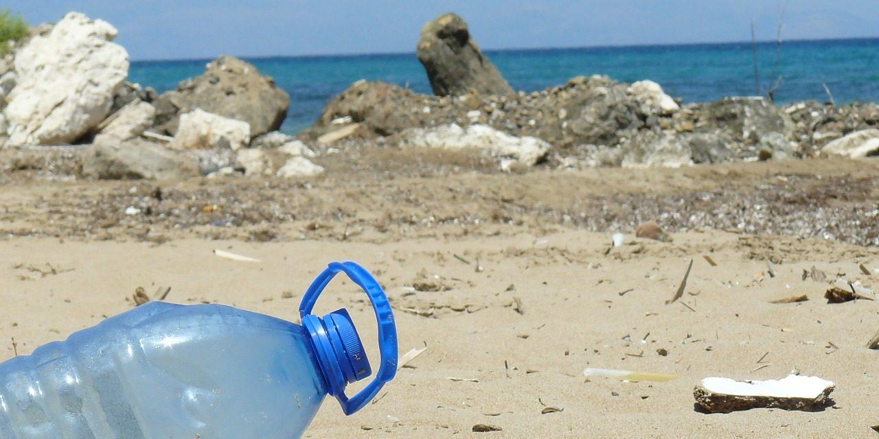 Tengervízben lebomló műanyagot hoztak létre kínai tudósok