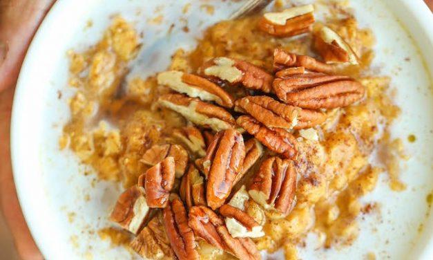 Gyors és egészséges reggeli őszre hangolva: sütőtökös zabkása