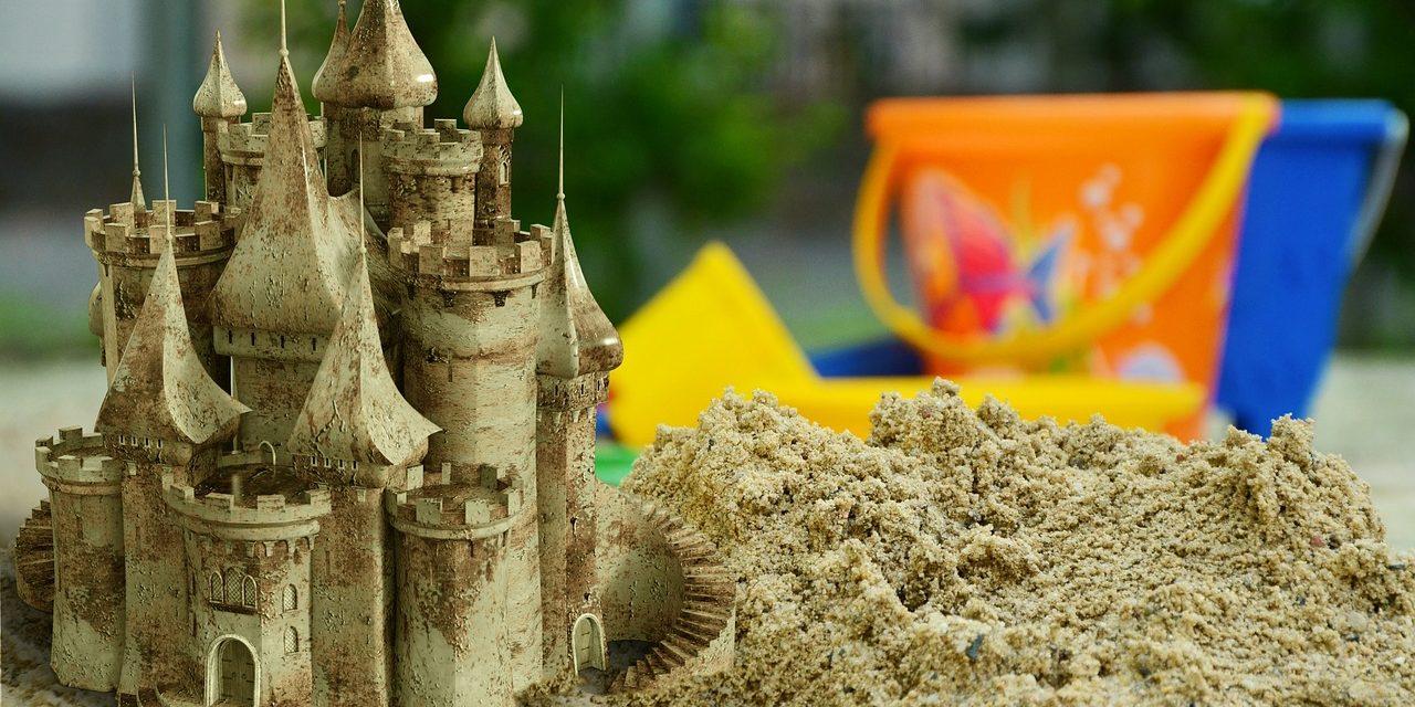 Egyedi tervezésű interaktív játszótér épül több településen