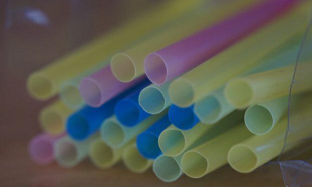 2021-től betiltják az eldobható műanyag termékeket az EU-ban