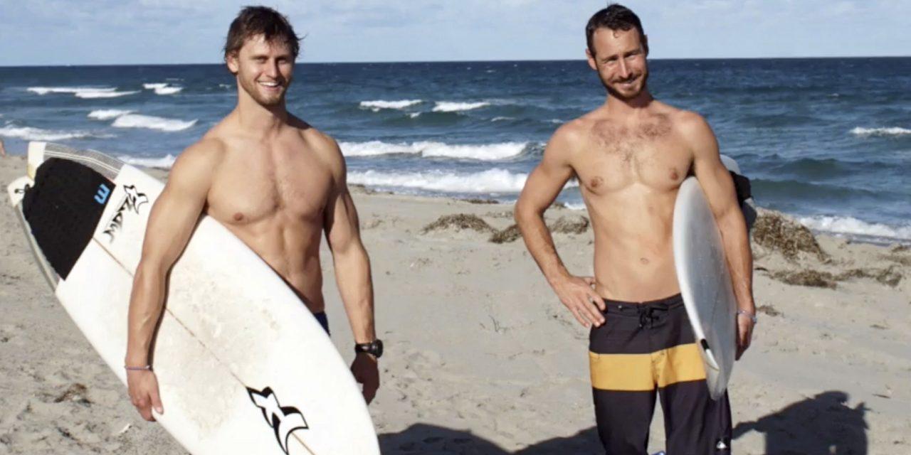 Két dögös szörfös, akik megmentik az óceánokat