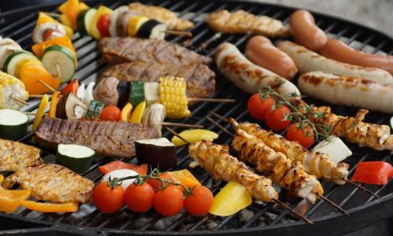 Tíz elengedhetetlen grillkellék a tökéletes kerti partihoz