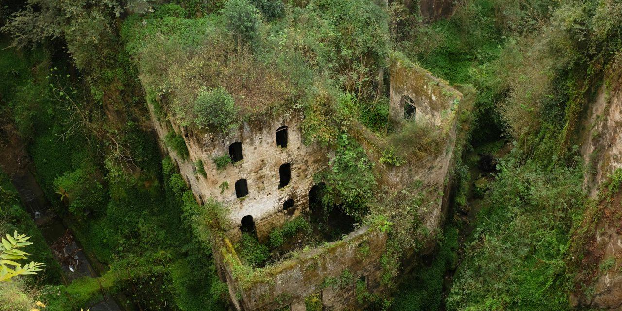 6 kísértetiesen gyönyörű lakatlan hely, amit a természet visszavett az embertől